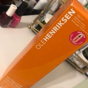 Olehenriksen clean truth foaming cleanser